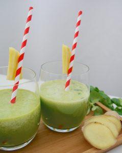 Ananas-Ingwer-Spinat-Drink_5 | Rezept Dr. Alexa Iwan