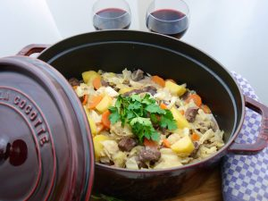 La Cocotte: Spitzkohl-Champignon-Schmortopf mit Lamm_10 | Rezept Dr. Alexa Iwan
