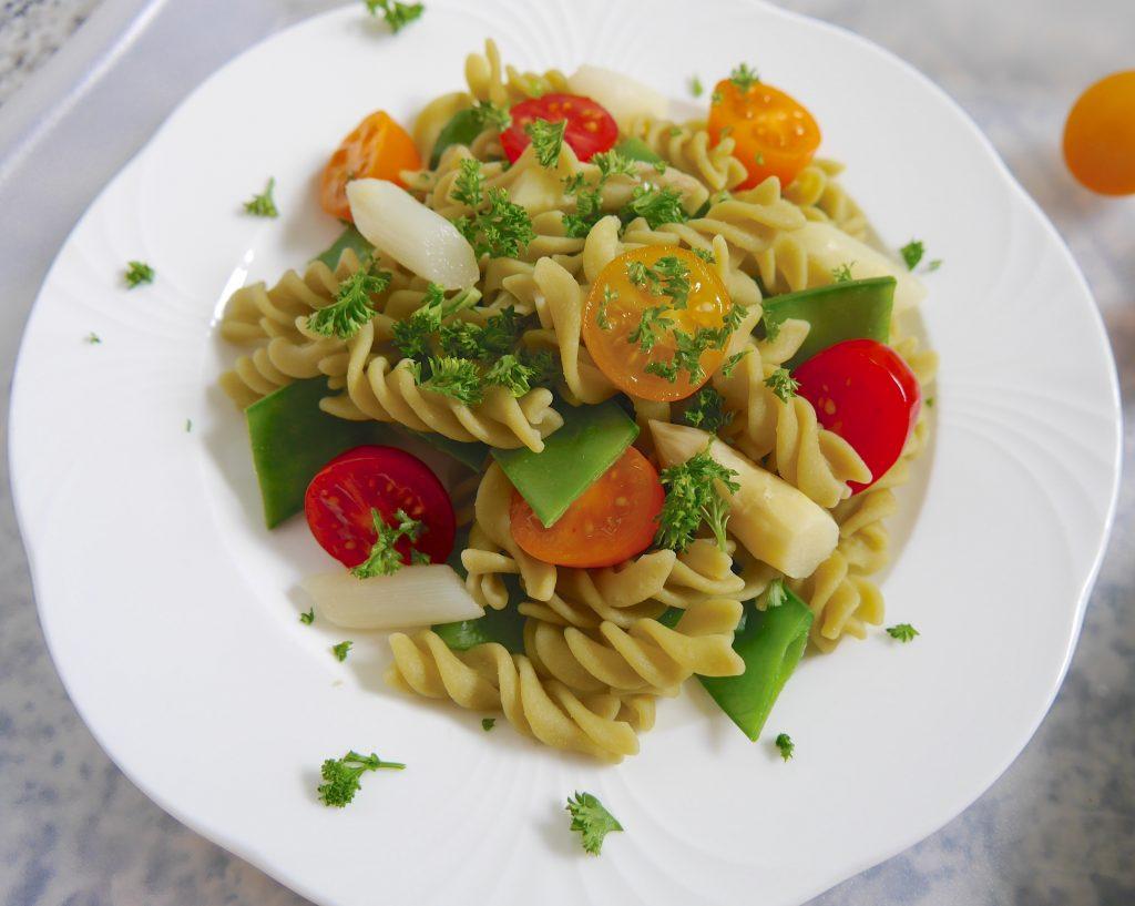Salat mit Grüne Erbsen Pasta_2 | Rezept Dr. Alexa Iwan