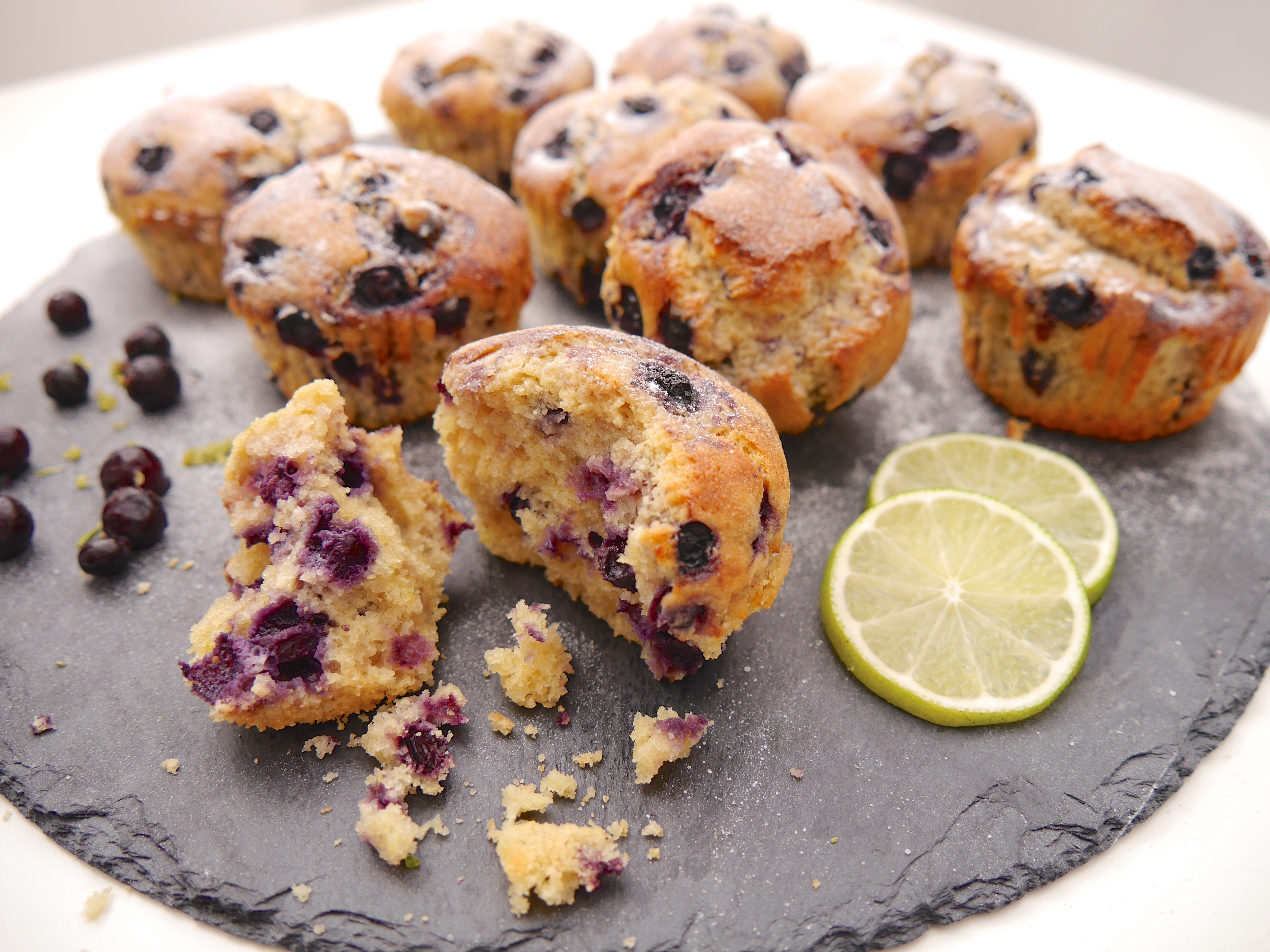 limetten blaubeer muffins mit kichererbsenmehl good food blog. Black Bedroom Furniture Sets. Home Design Ideas