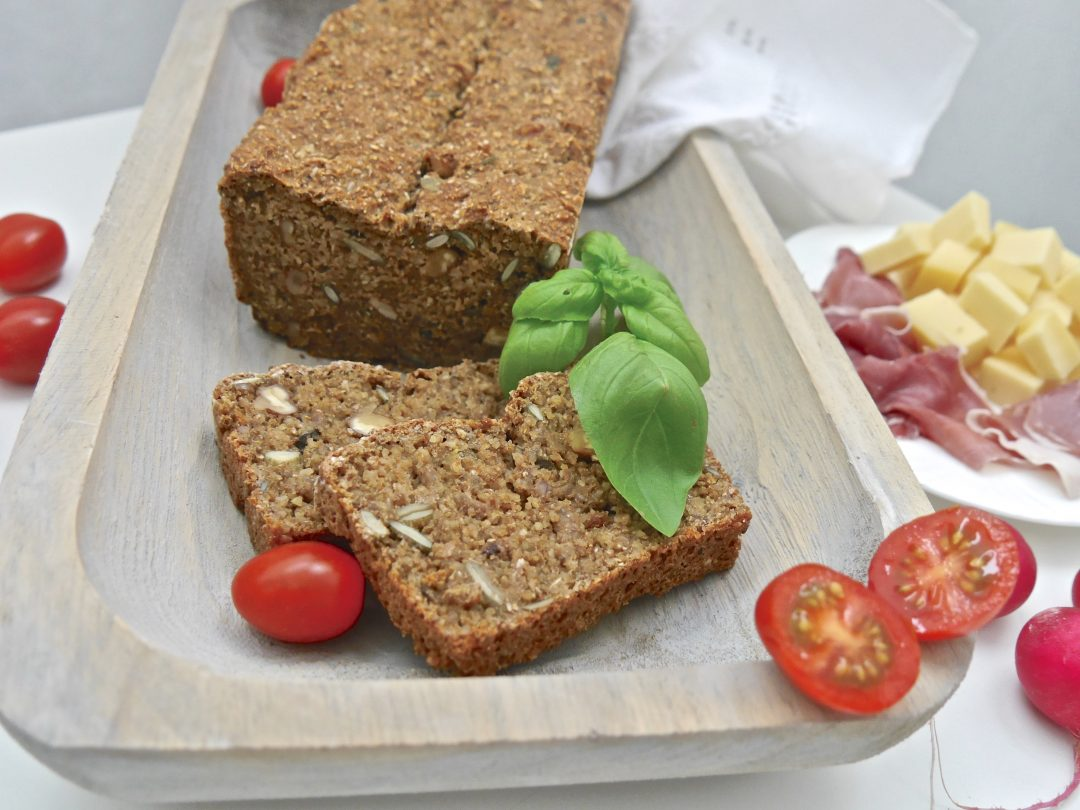 Ein gesunder Quickie: Lupinen-Chia-Brot_1 | Rezept von Dr. Alexa Iwan