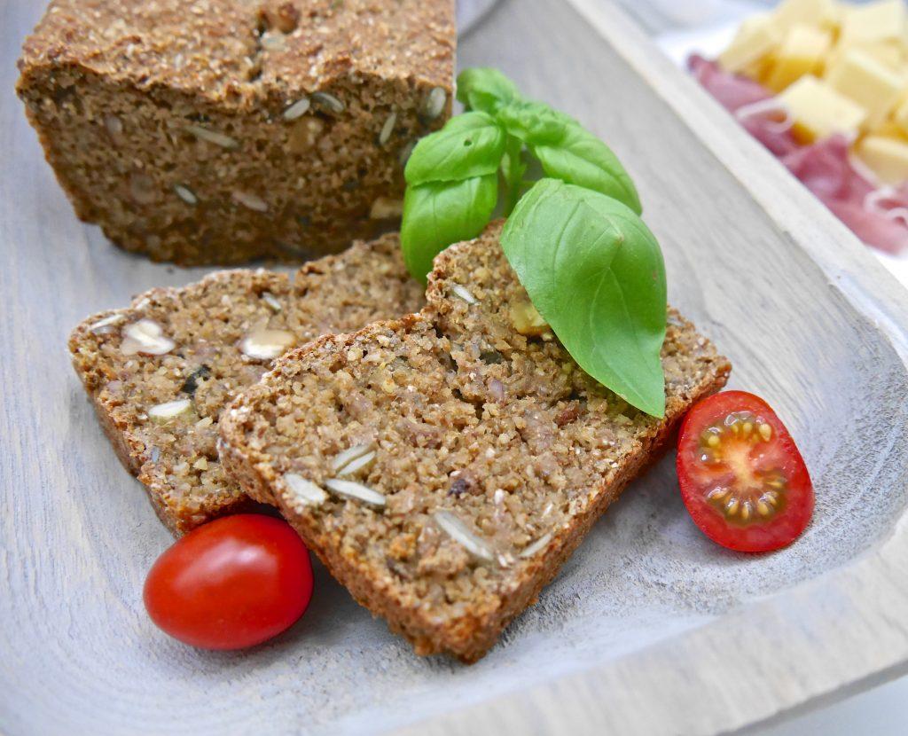 Ein gesunder Quickie: Lupinen-Chia-Brot_2 | Rezept von Dr. Alexa Iwan
