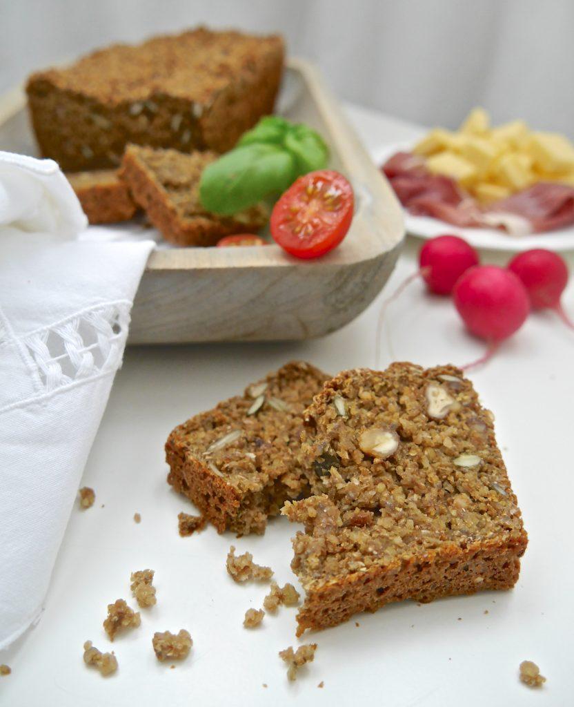 Ein gesunder Quickie: Lupinen-Chia-Brot_6| Rezept von Dr. Alexa Iwan