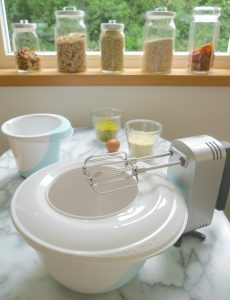 Rührschüssel-Set von keeeper zum Rezept Süßkartoffel-Kuchen von Dr. Alexa Iwan