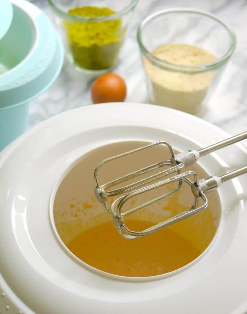 Rührschüssel mit Spritzschutz von keeeper zum Rezept Süßkartoffel-Kuchen von Dr. Alexa Iwan