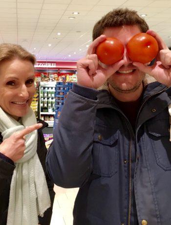 RTL-Reporter Ralf Herrmann und Ernährungswissenschaftlerin Dr. Alexa Iwan